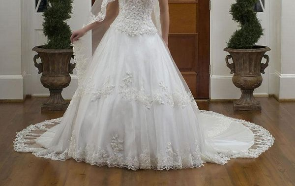 White Wedding Gowns: Ultrarichmatch